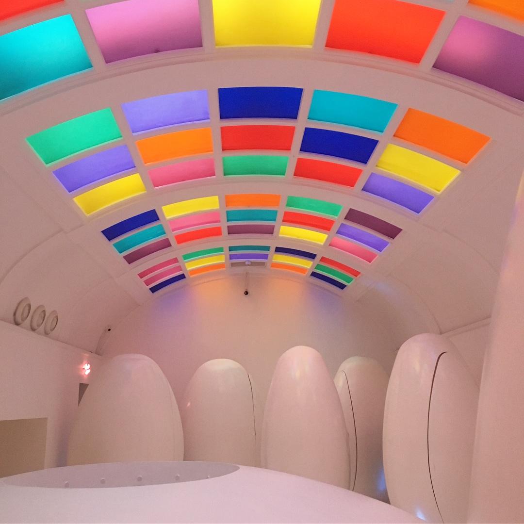 Instagrammable Novelty Futuristic Bathroom